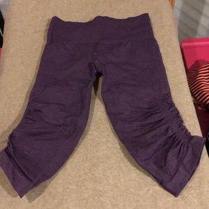 Lululemon purple Ebb and Flow capris size 6